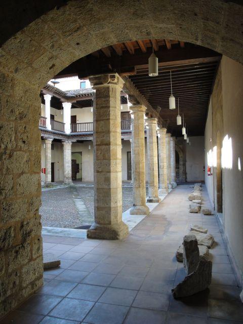Patio del palacio de los vivero fotos de monumentos de for Viveros valladolid